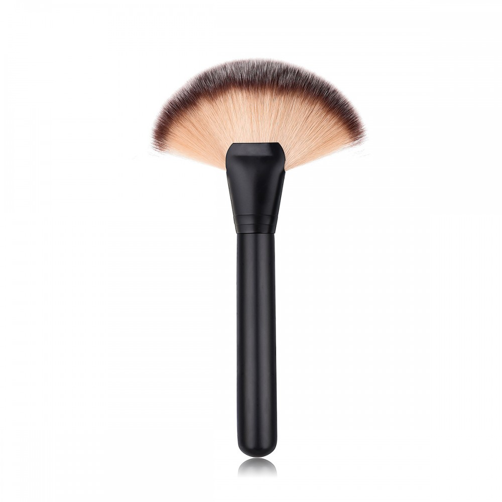 Big fan brush for beauty makeup