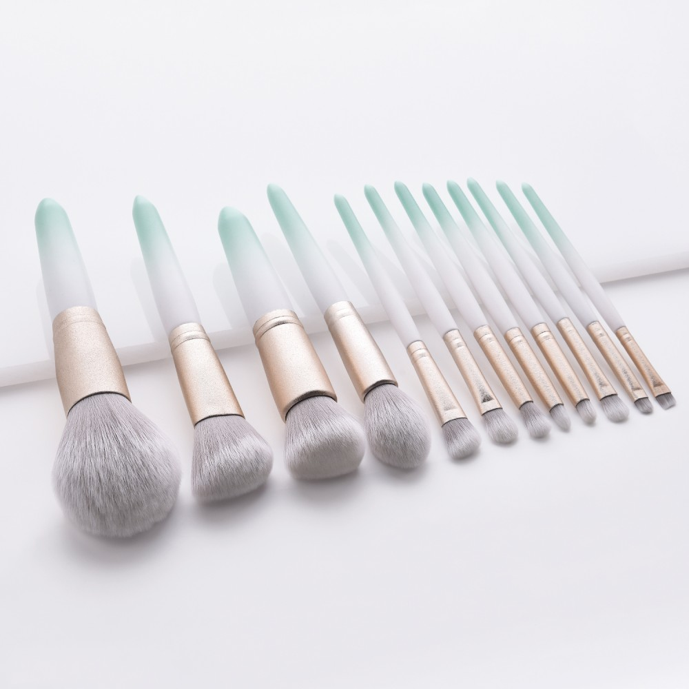 New 12 piece makeup brushes set