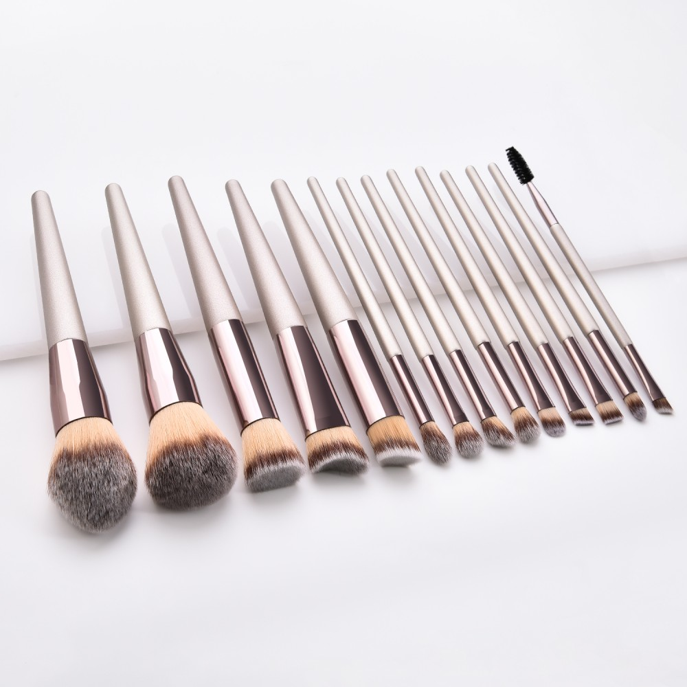 Pro 14 piece cosmetic brushes set for makeup