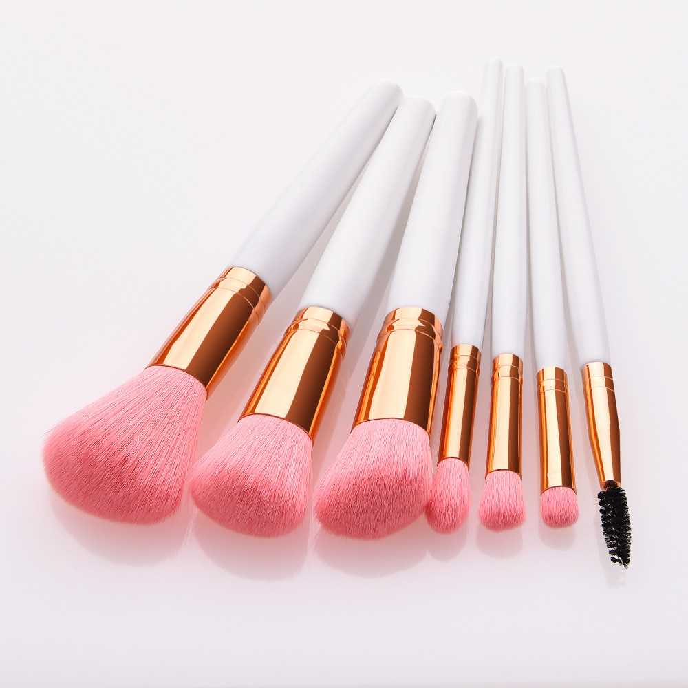 Essential 7 piece makeup brushes kit